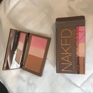 NWT Urban Decay Flushed Palette